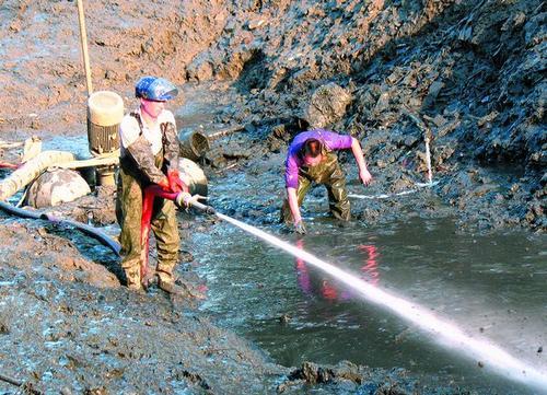 扬中市新坝镇安宜镇工业废水池清理随叫随到
