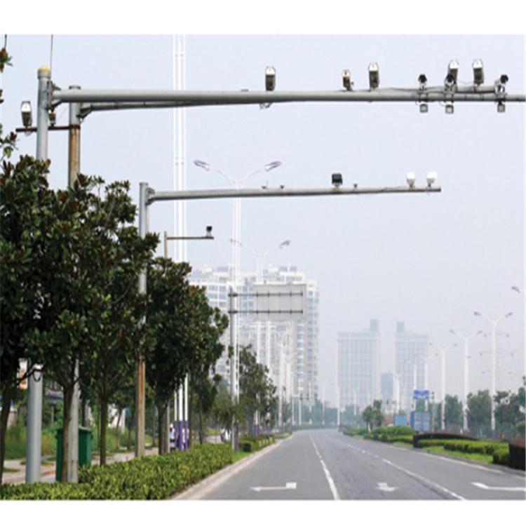 绵阳市江油市监控支架立杆全套生产安装6.5米、17米悬臂杆