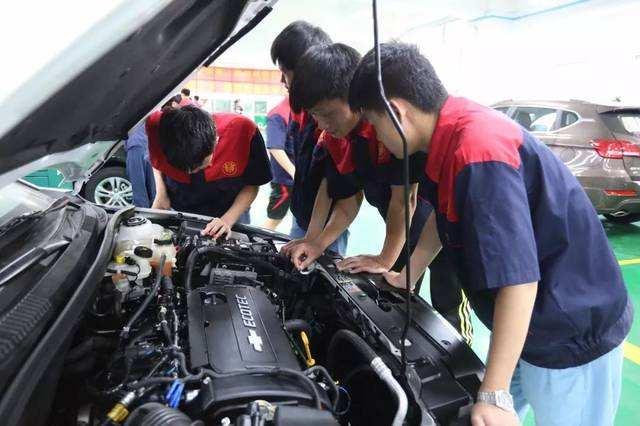 茂名汽车维修工 证报名有哪些条件具体流程简介