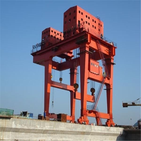 梅河口龙门吊刷漆钢梁刷油漆公司——欢迎您光临