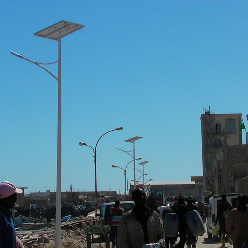 张家口涿鹿县农村太阳能路灯led锂电池买什么牌子