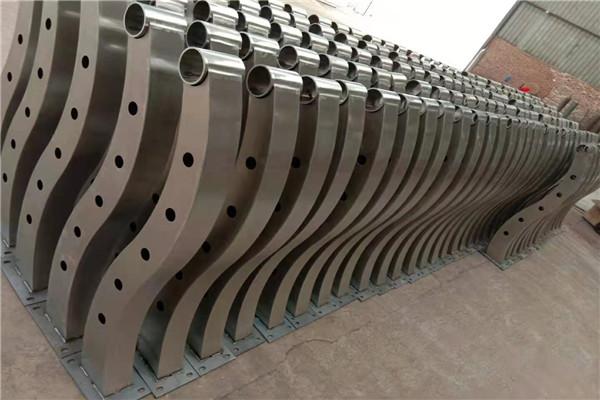 河源内衬不锈钢复合管栏杆价格