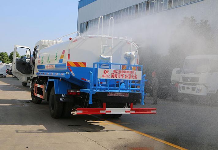 龙湾大型洒水车厂家