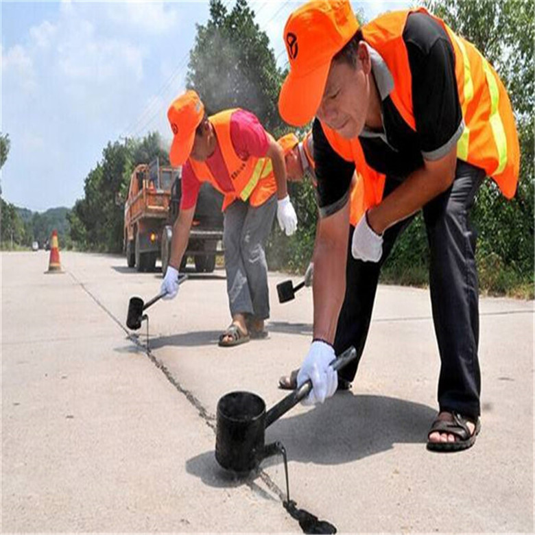 吉安路面灌縫膠施工方法