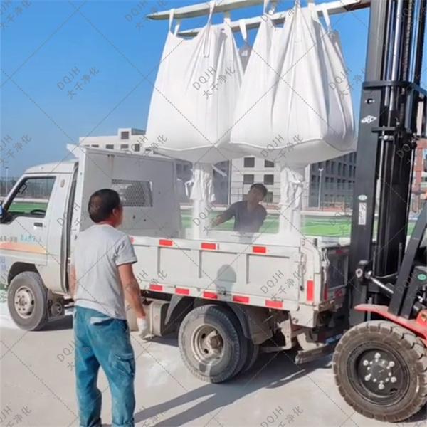 成都市青白江区附耐火材料石英砂现货供应