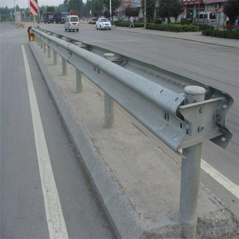 呼伦贝尔新巴尔虎左旗波形梁钢护栏板安装