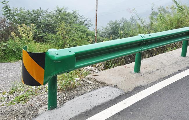 武威公路波形护栏板价格
