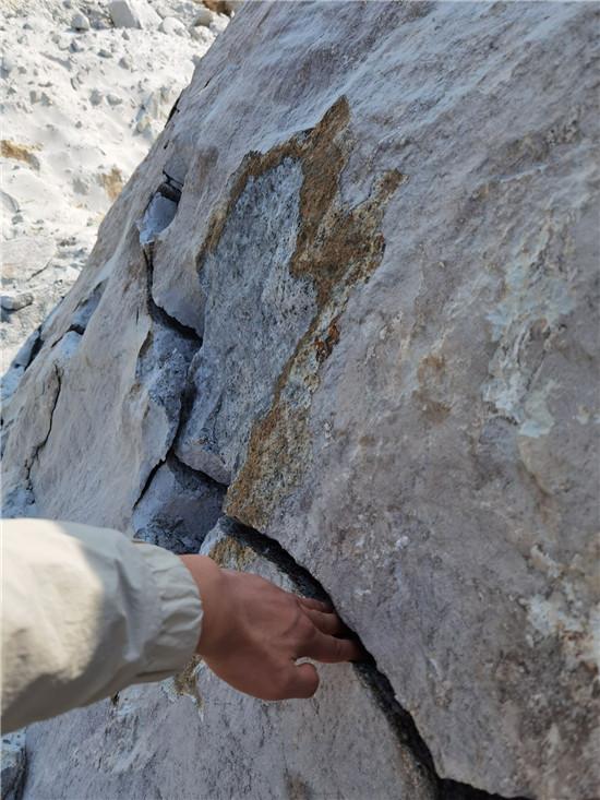 固原市开挖破裂机硬岩石静态分石机