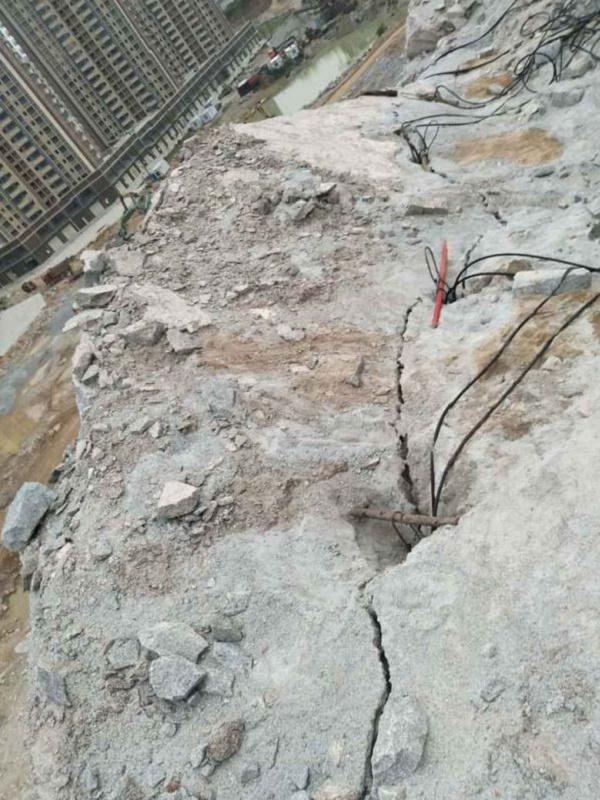 大理白族自治州大型岩石劈裂机静态劈石机