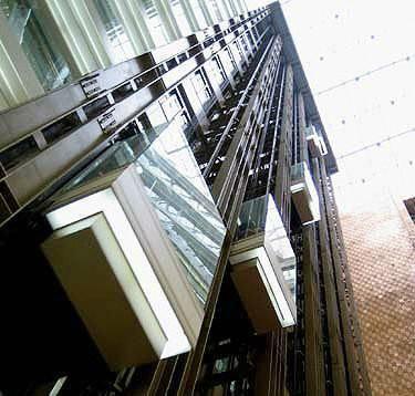 清城区高层电梯拆除回收步梯
