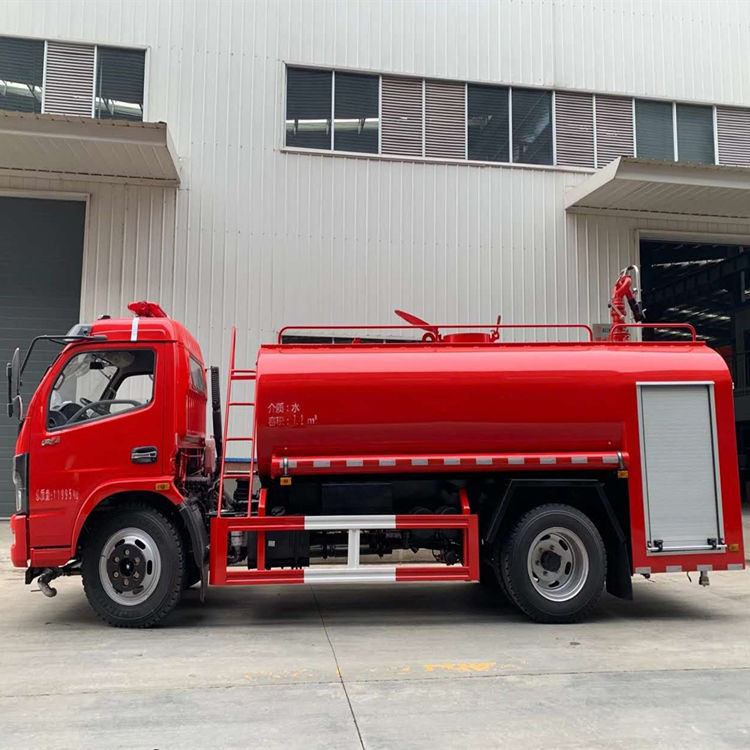东风8吨街道水罐消防喷水车价格