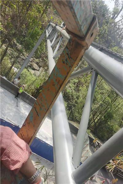 宜宾市兴文县八棱锥形八角边立杆天网球机枪立杆怎么代理?