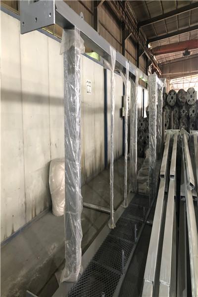 安顺市地方特色监控杆,4.5米监控立杆_大图