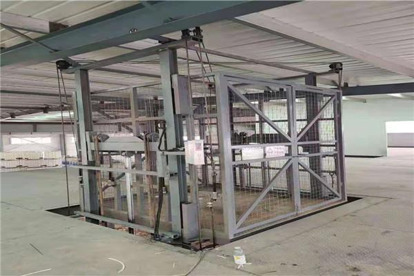 巴马瑶族自治县工厂房仓库简易链条升降机货梯2吨