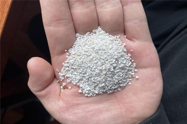 仓山喷砂除锈石英砂厂家价格
