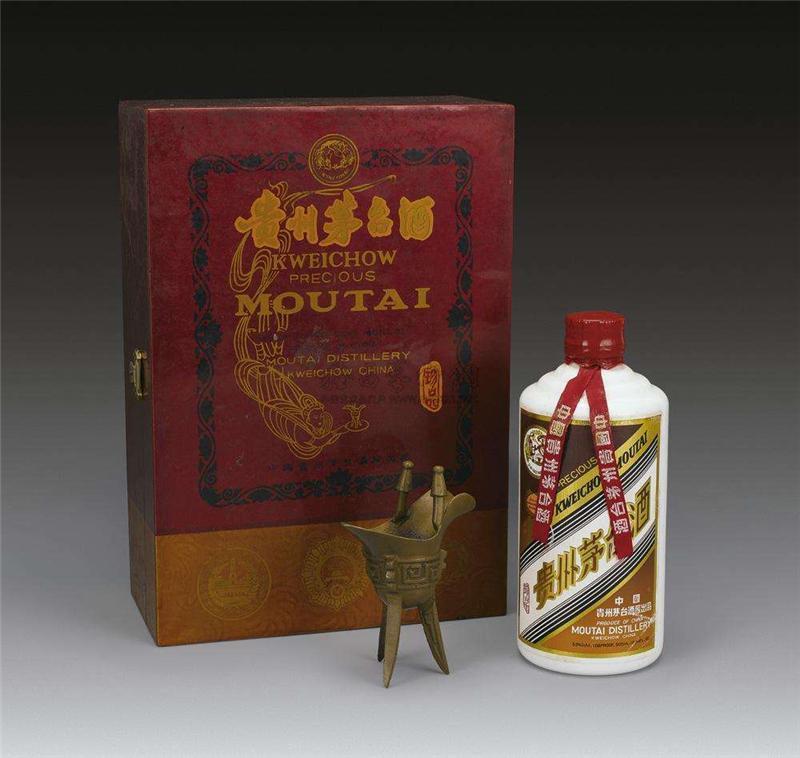 聊城东阿回收15年茅台酒礼盒回收价格
