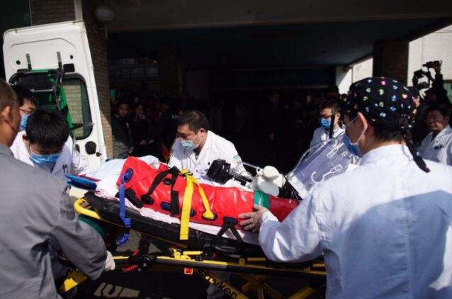 重庆西南医院120救护车出租,接送病人,紧急护送
