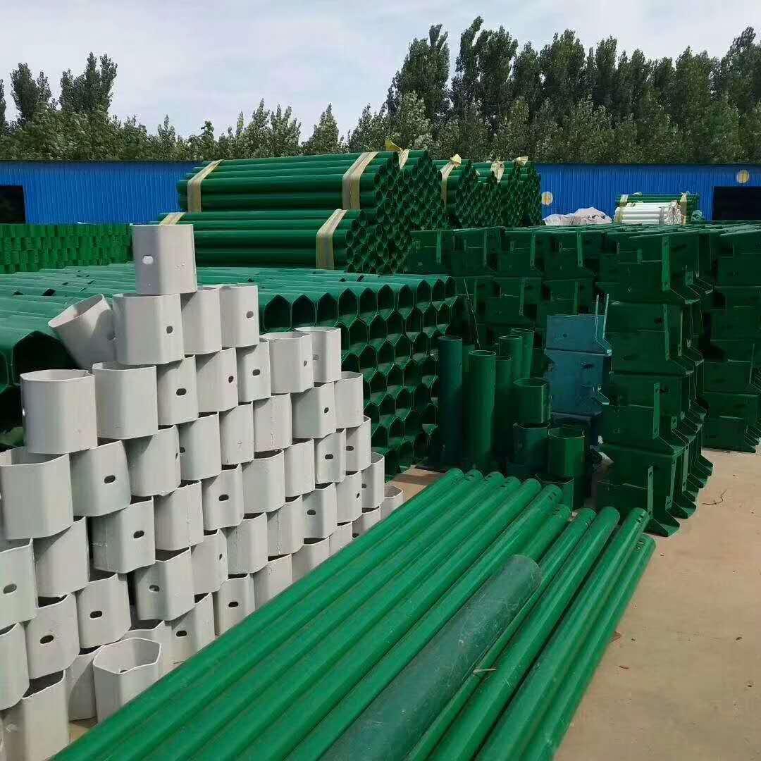 武汉武昌波形钢护栏板含施工价格