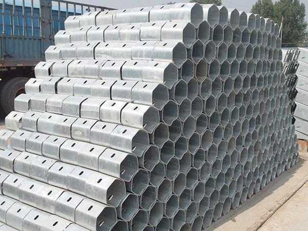 邯郸市鸡泽县波形钢护栏板喷塑与热镀锌
