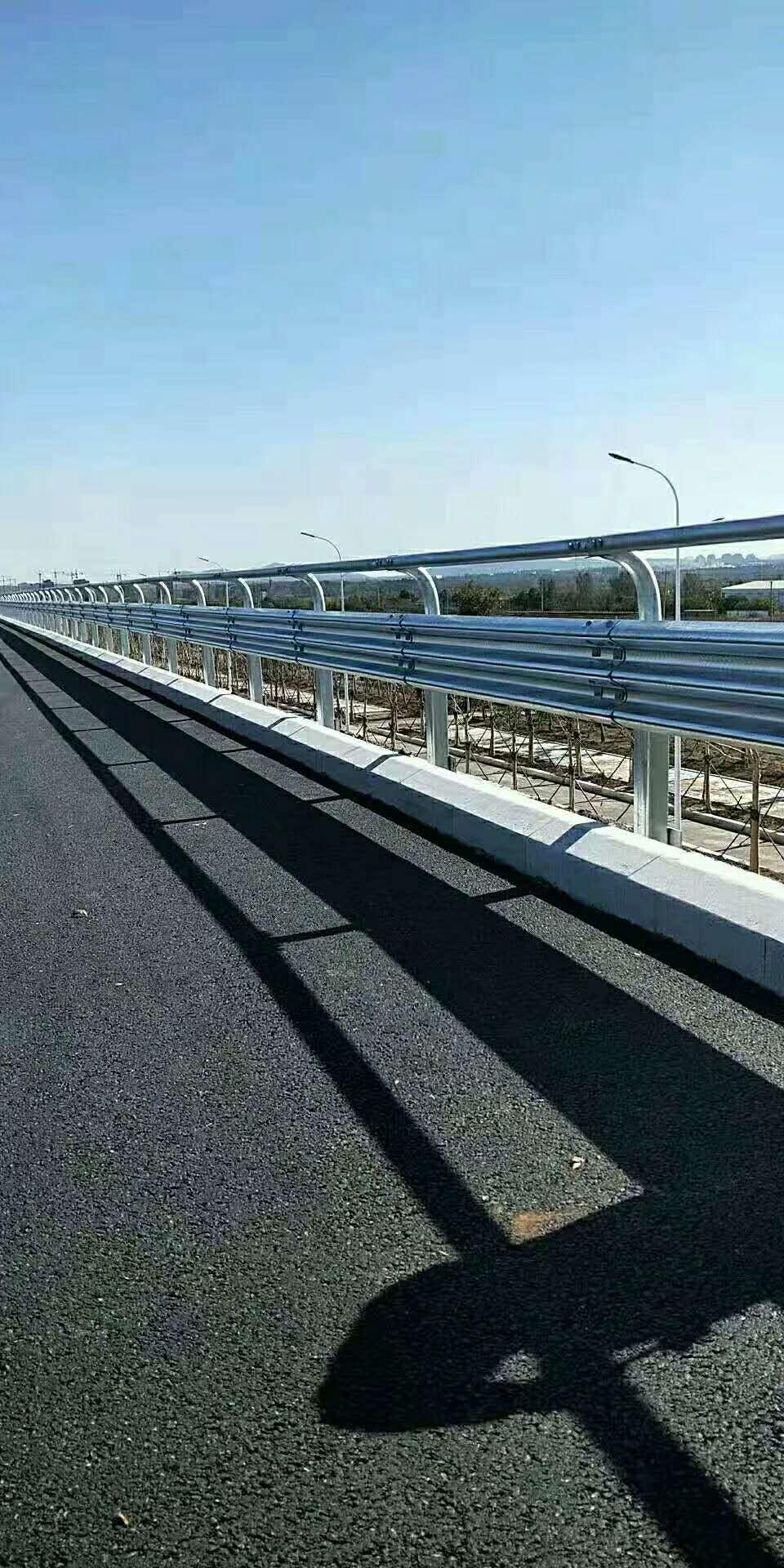 信阳市息县高速公路护栏板直销价格