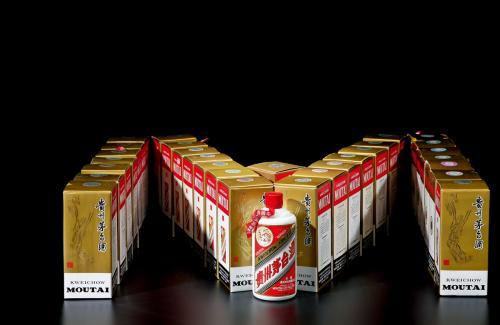 吉安五十年酒瓶整套回收现在回收价格表[鸿博名酒礼品回收]