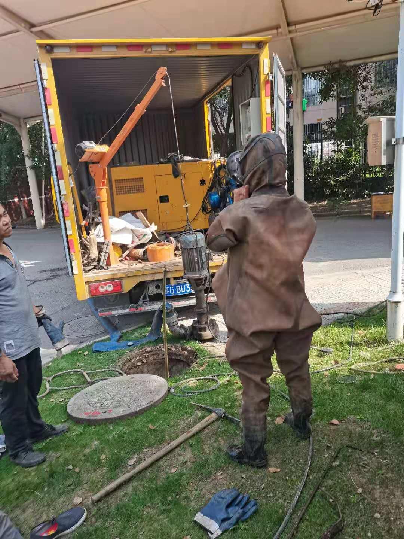 东海县污泥池清底快速解决管道问题