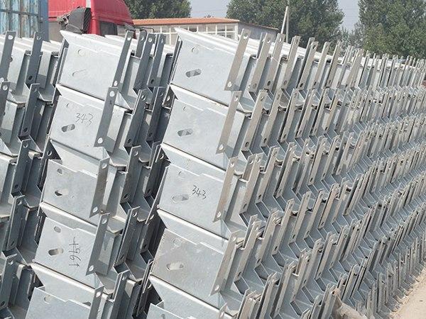广东省湛江市波形护栏板含施工价格