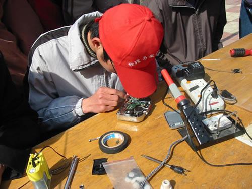苏泊尔油烟机武汉欢迎访问 专业报修电话 维修服务公开