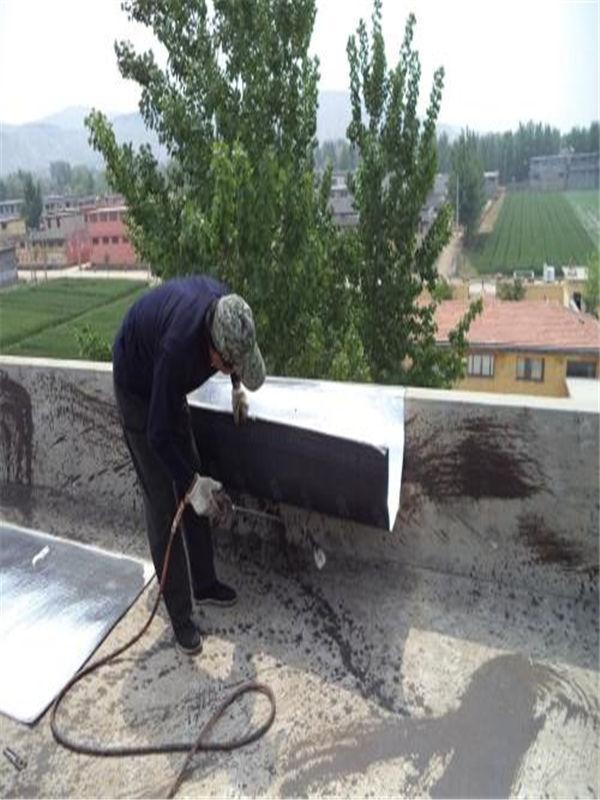 无锡市防水公司一无锡市锡山区金属屋面防水补漏排查漏水缘由
