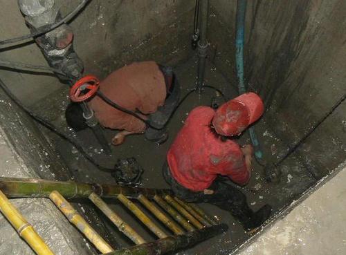 专业墙面渗水@无锡市宜兴市高层外墙漏水专业防水电话号码