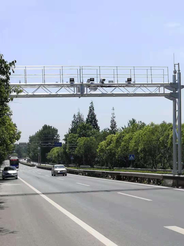 乐山夹江信号灯配套镀锌抱箍套件5*1米交通监控杆生产能力强的公司
