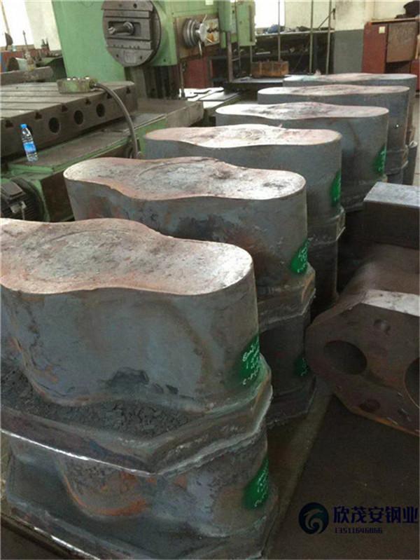 乌海1Cr5Mo铸钢耐热步进梁铸件