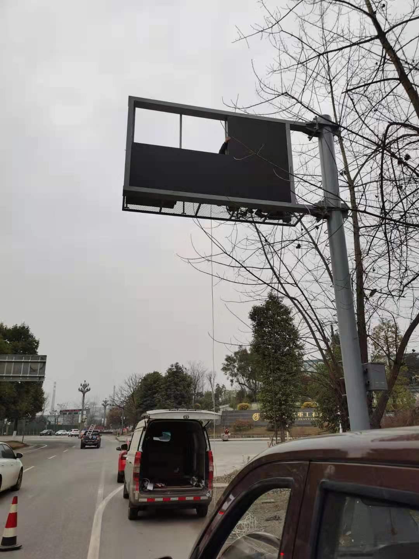 泸州泸县监控器立杆3.5*6交通监控杆看到货品说钱
