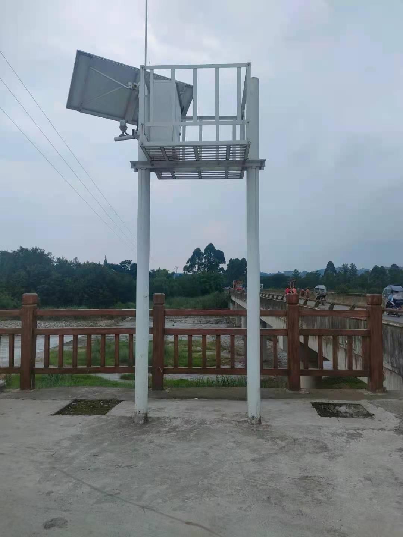 绵阳游仙信号灯5*2米交通监控杆成都杆件制造单位兴丰源