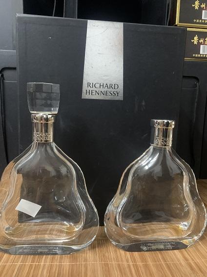 南海区【新老款路易】酒瓶回收茅台李白杜甫整套收购