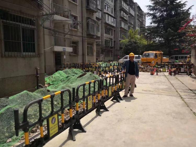 深圳胶马护栏-沙井三孔水马质量可靠-欢迎来电咨询
