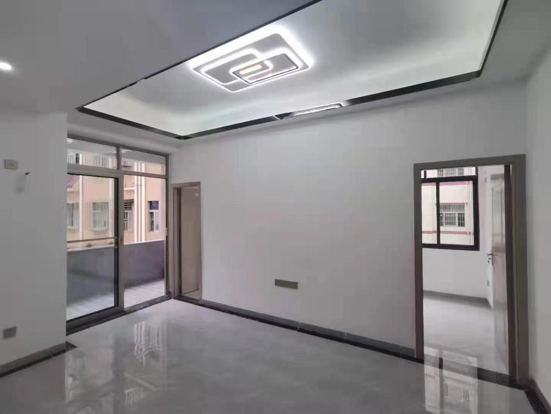 今日必看!深圳龙岗村小产权房《爱联壹号》新闻。