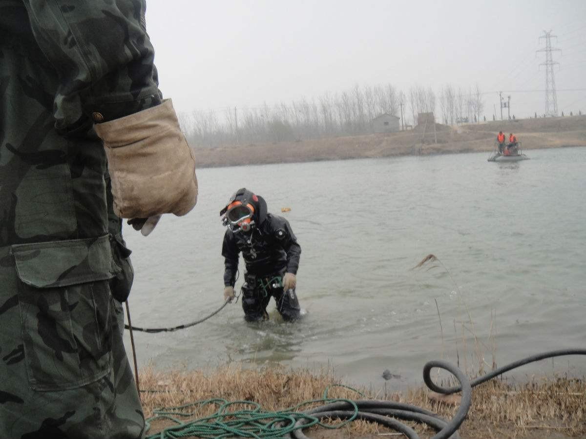 拉萨市打捞队(蛙人打捞-水下切割)专业公司队伍