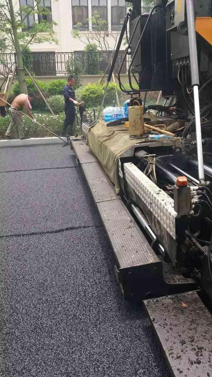 江门市新会区摊铺厂区沥青路面工程施工