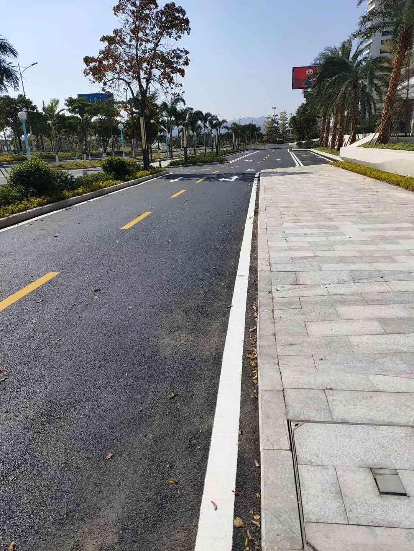 长安工业区沥青路面施工队