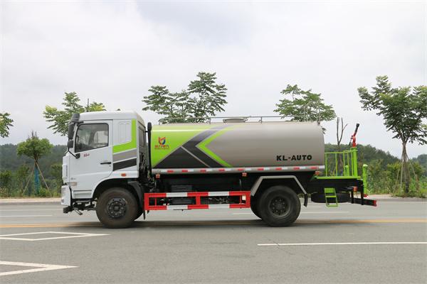 广西北海洒水车销售处送车