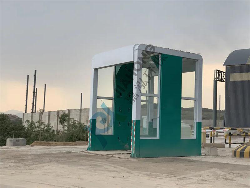 绵阳北川搅拌站封闭式洗车机多少钱一台?高压冲洗,牢固耐用,安装拆卸,