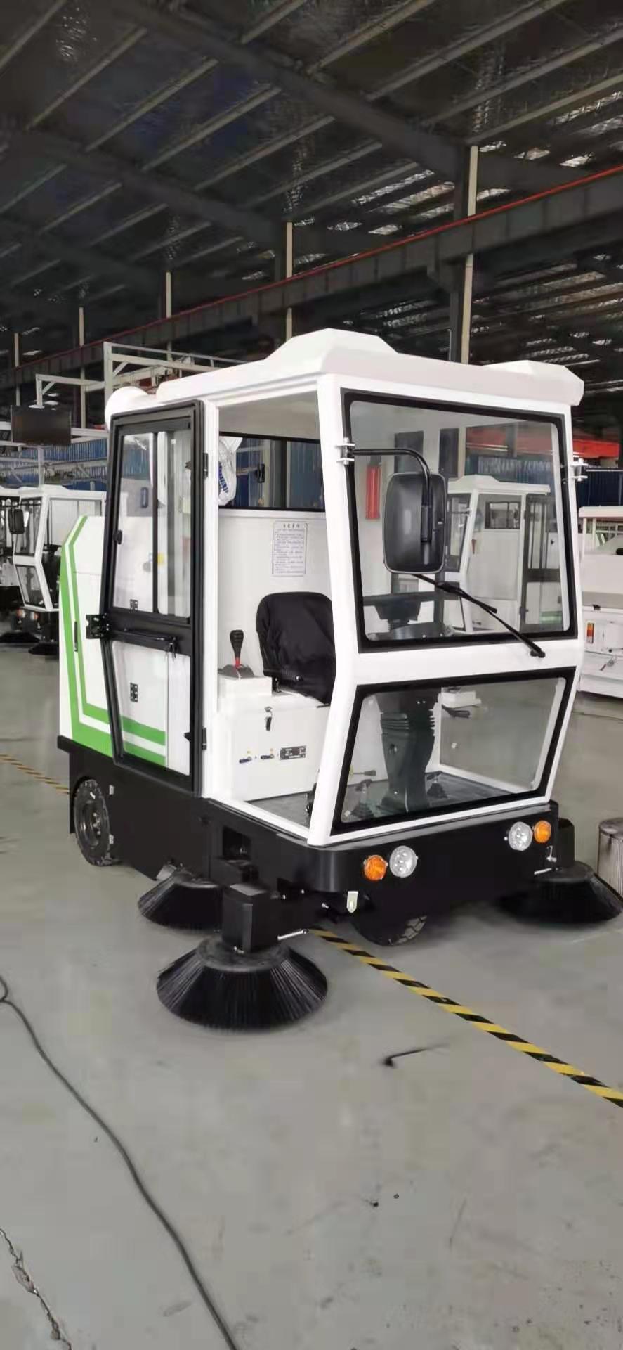 玉溪欧博森扫地车的厂家价格-扫地车制造商