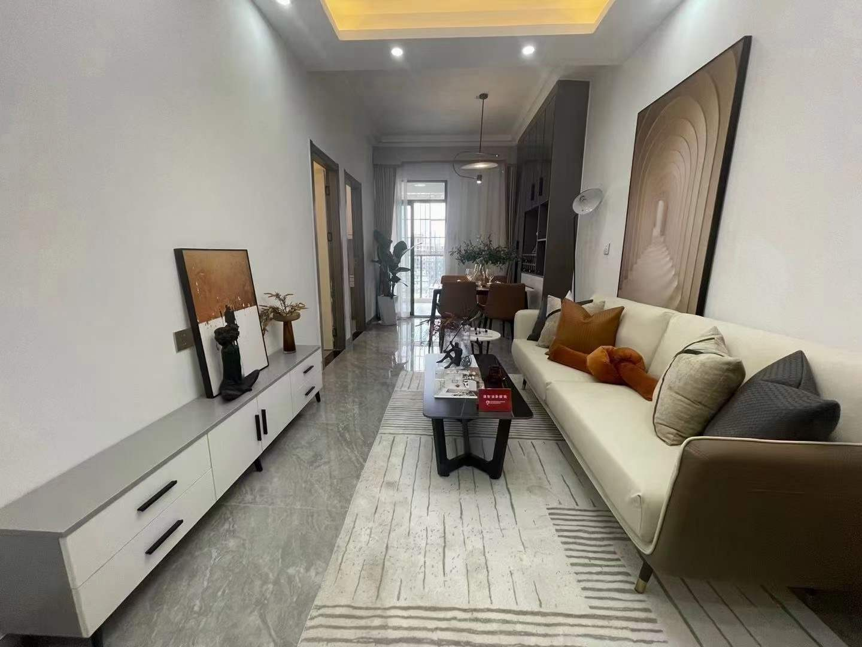 深圳哪里的房子贵全新样板房盛装出席 《坂田.双子名座》5号五和地铁A出口500