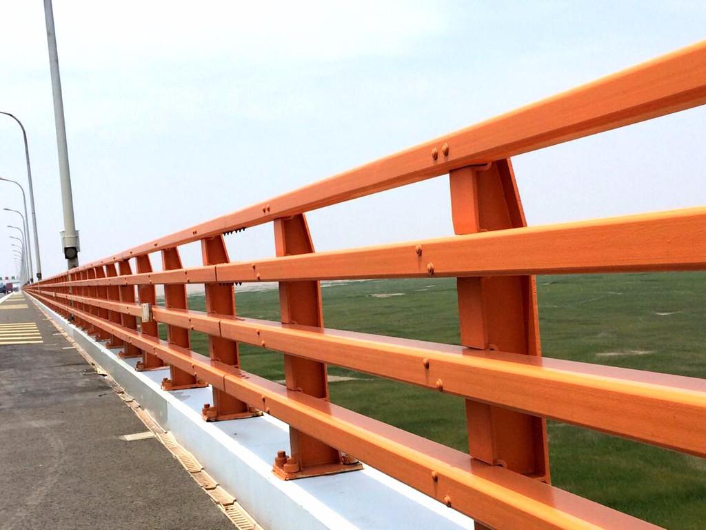 黔东南专业回收波形护栏板2021