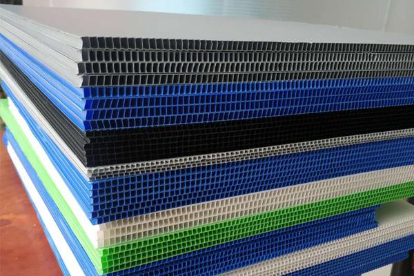 海西格爾木塑料中空板生產廠家