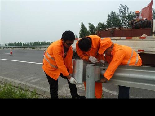 枣庄市山亭区2021公路波形护栏板-新价格