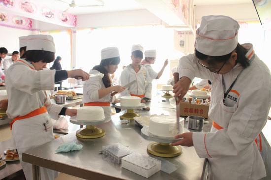 信阳考厨师中式烹调师证大约要花多少培训地址报名流程